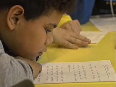 Activités de lecture-écriture dans une classe spécialisée