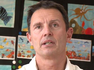 Mille millions de cartes postales: l'interview de l'enseignant