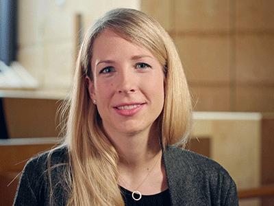 Les métiers du pouvoir judiciaire 3/4 – Malorie Rettby, greffière-juriste à la Cour pénale de la Cour de justice