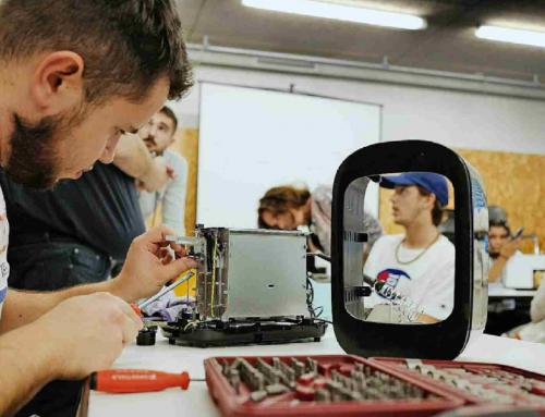 Carouge répare des objets électroniques grâce aux apprenti.e.s du CFPT